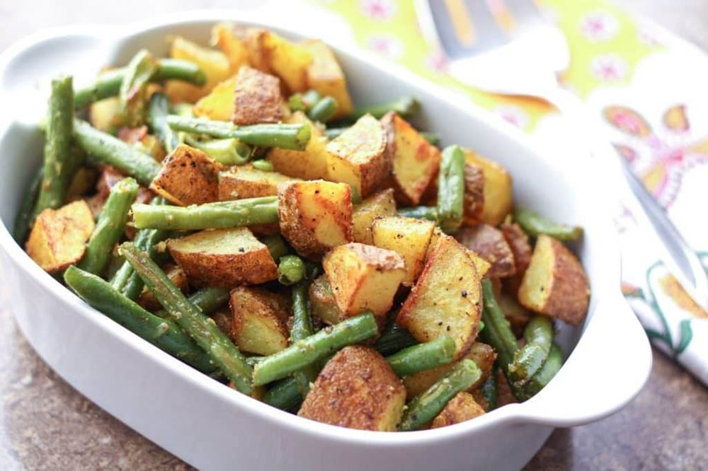 Turmeric Roasted Potatoes w/ Green Beans