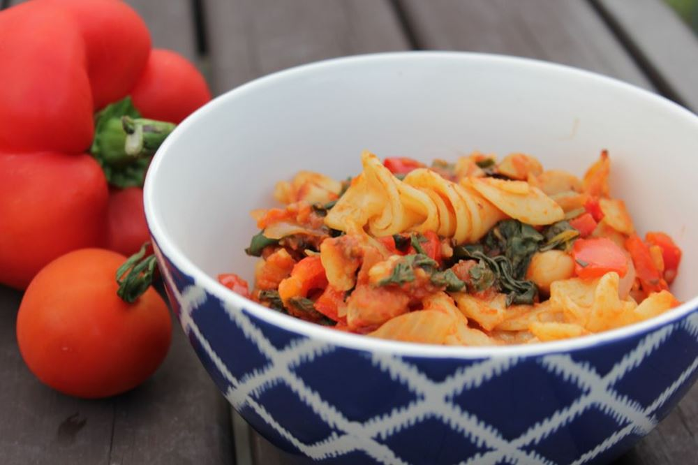 Tomato and chickpea pasta bake with spinach