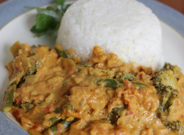 Creamy Peanut Vegetable Curry