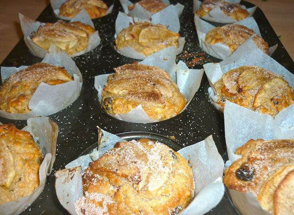 Apple, Cinnamon, Oat Muffins
