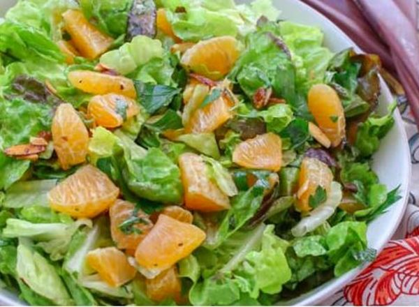 Orange Parsley Salad w/ Balsamic Vinaigrette