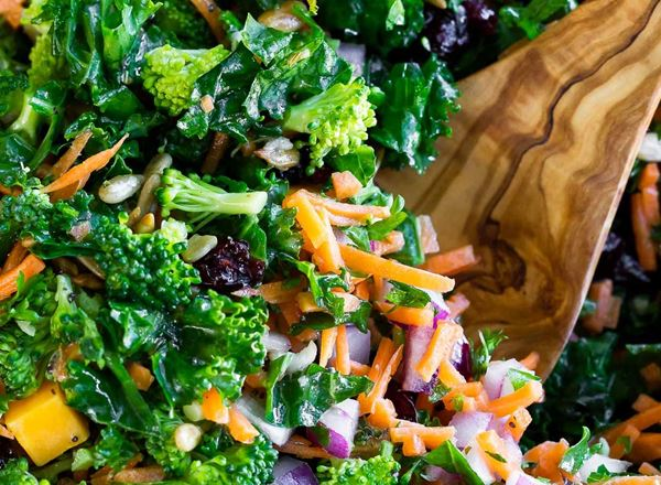 Broccoli Kale Salad with Lemon Dressing