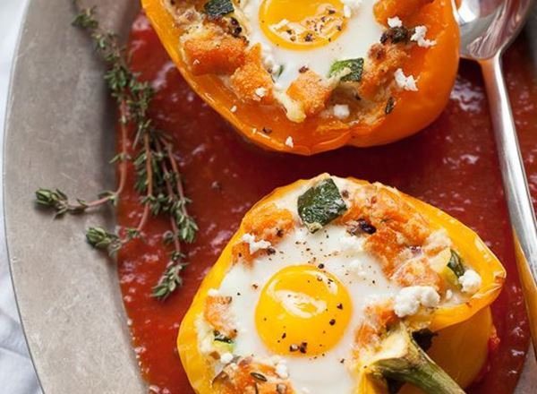 Baked Eggs in Stuffed Capsicum