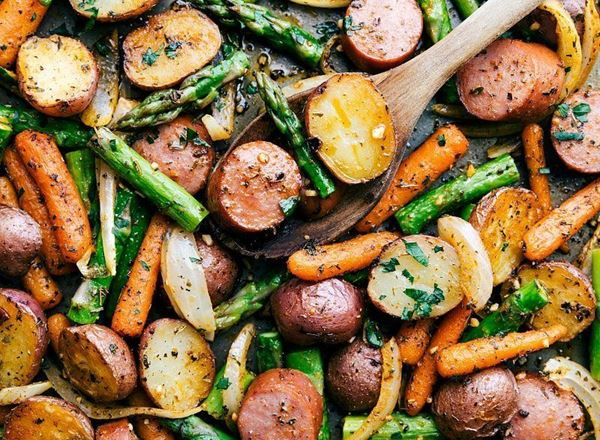 Roasted Garlic Potatoes, Asparagus, and Sausage